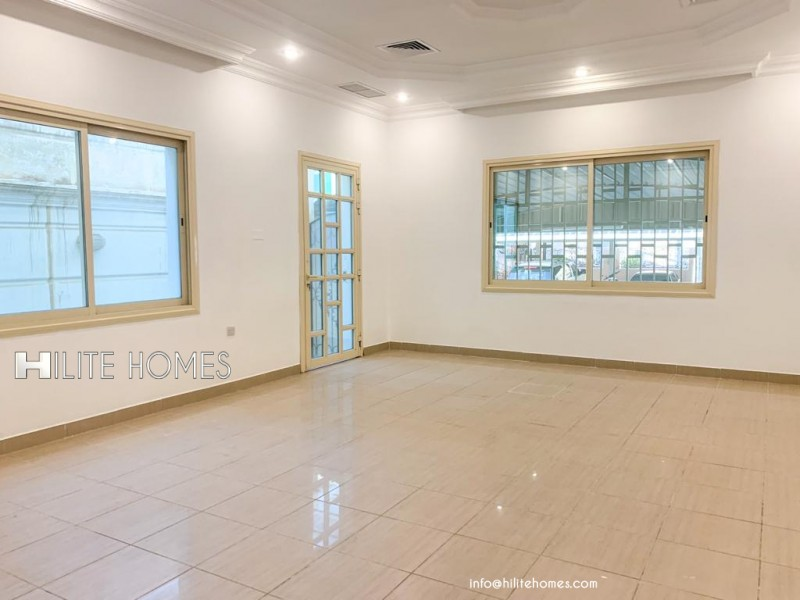 Spacious 9 bedroom Villa available for rent in Khaifan
