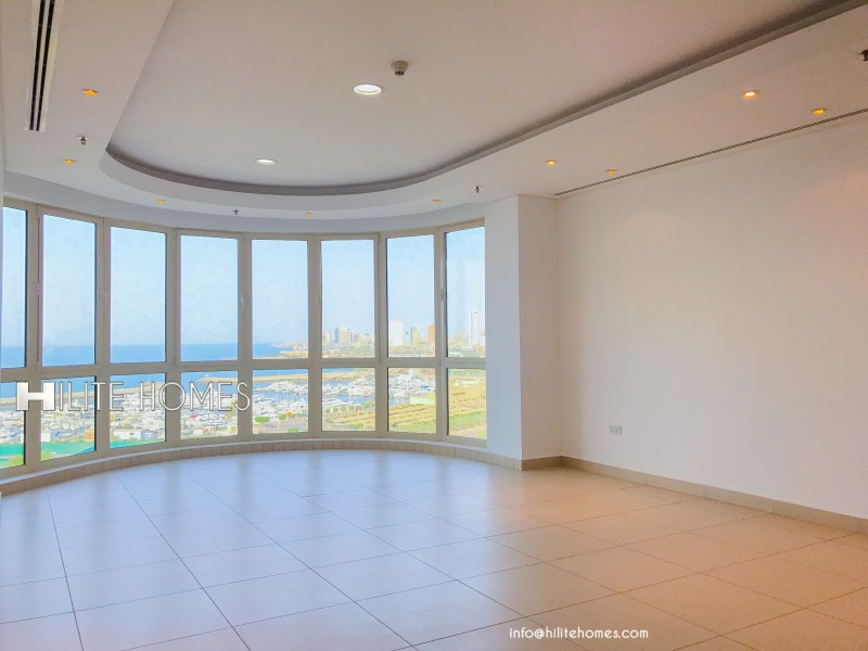Three bedroom apartment for rent in Shaab with sea view