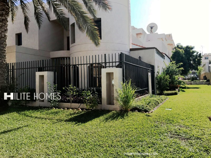 4 Bedroom Villa with private pool for rent in Jabriya