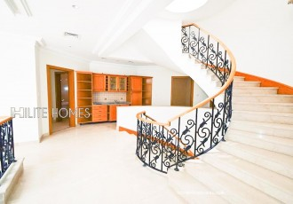 Spacious 4 Bedroom villa for rent in Salmiya Close to the beach